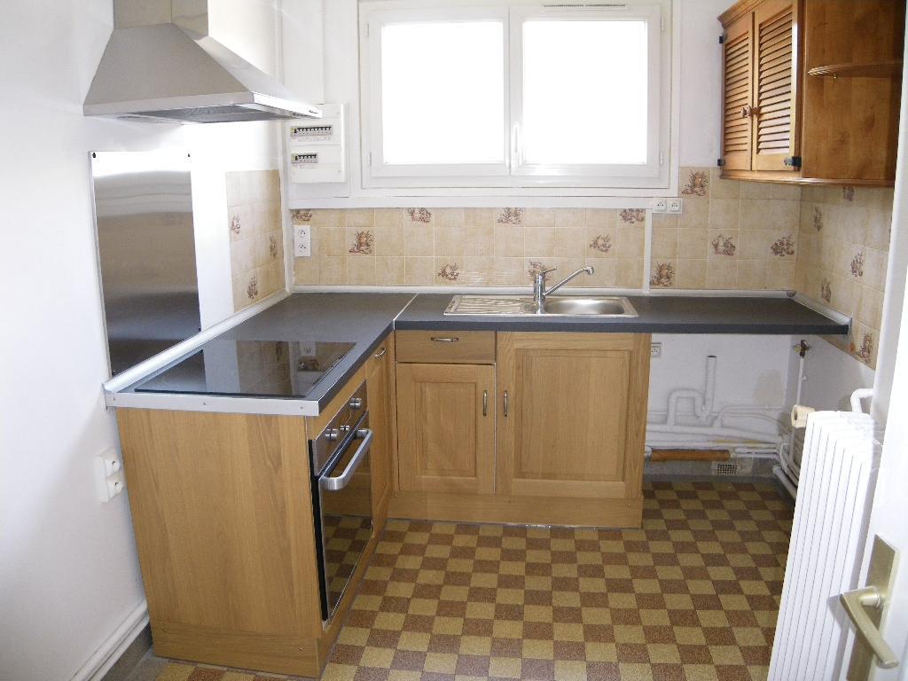 Location d 39 appartement t3 de particulier rouen 600 for Combien coute une cuisine amenagee