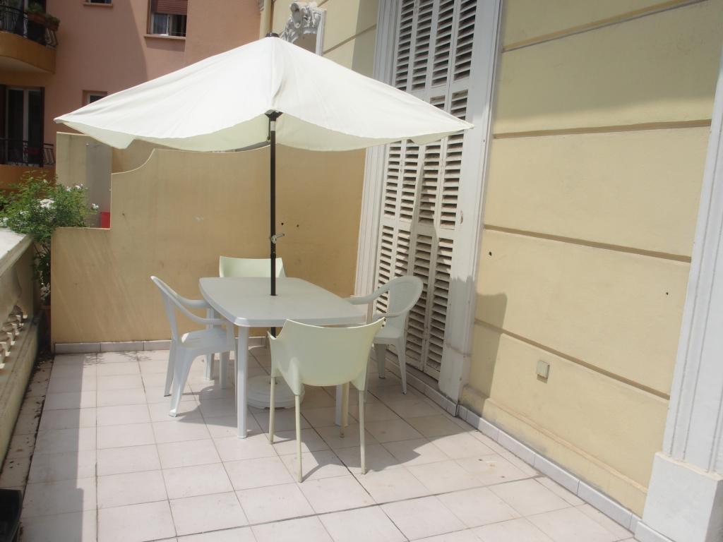 location de studio meubl entre particuliers menton 780 31 m. Black Bedroom Furniture Sets. Home Design Ideas