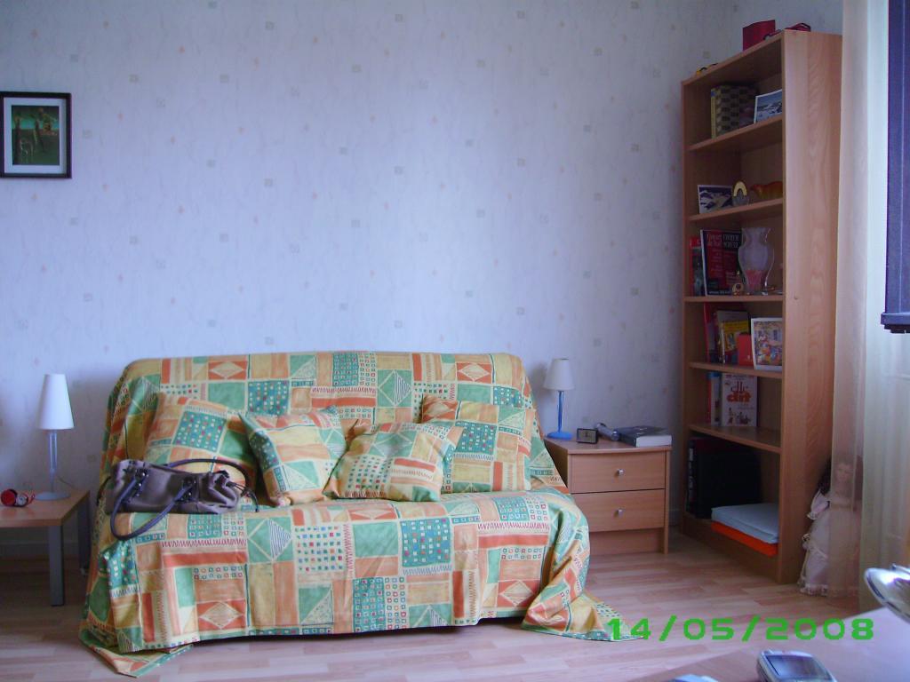 Location De Studio Meublé à Besancon   389 U20ac