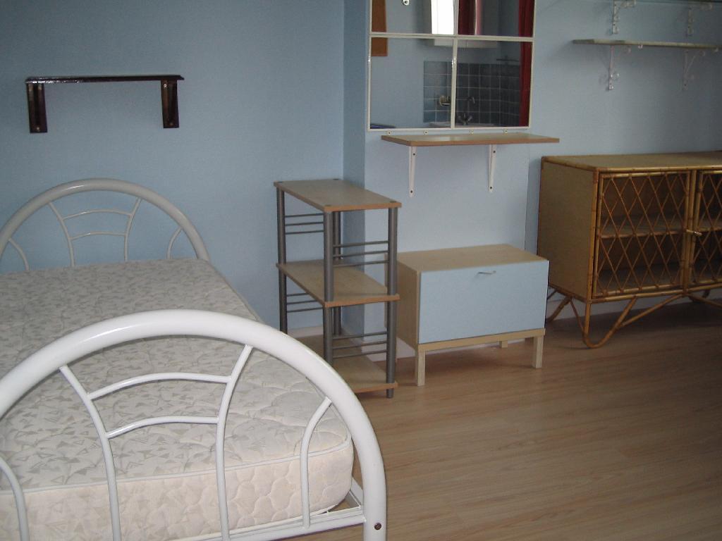 Location de chambre meubl e entre particuliers lille for Location de chambre meublee
