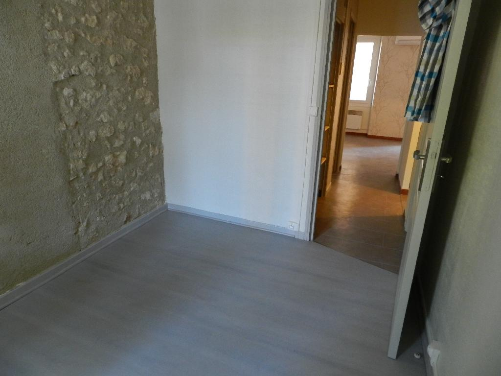 Location appartement T3 Pertuis - Photo 2