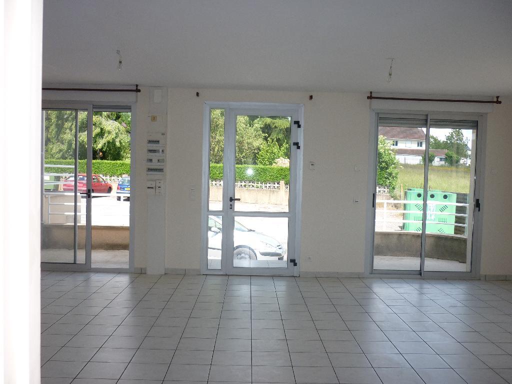 Location immobilière par particulier, Aynac, type appartement, 109m²