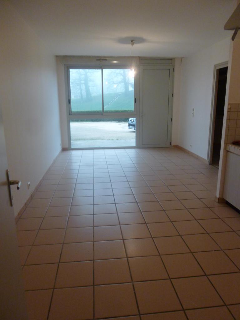 Location appartement par particulier, appartement, de 45m² à Aynac