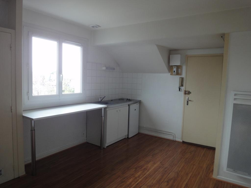 location d 39 appartement t2 de particulier tarbes 390 32 m. Black Bedroom Furniture Sets. Home Design Ideas