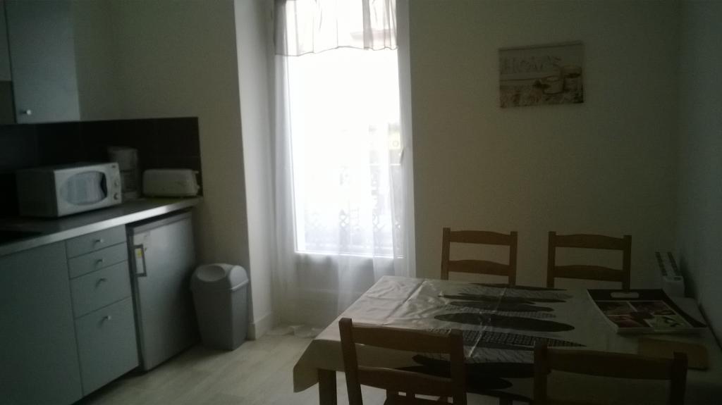 location d 39 appartement t1 meubl entre particuliers nantes 520 31 m. Black Bedroom Furniture Sets. Home Design Ideas