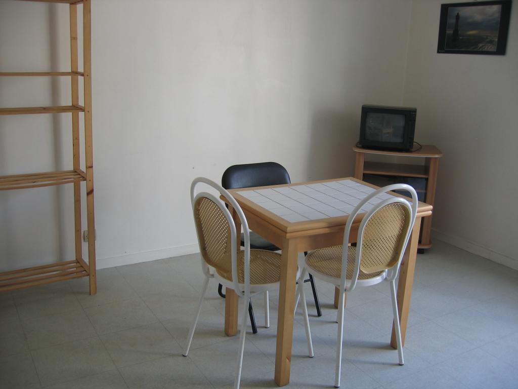 location d 39 appartement t1 meubl entre particuliers vannes 440 30 m. Black Bedroom Furniture Sets. Home Design Ideas