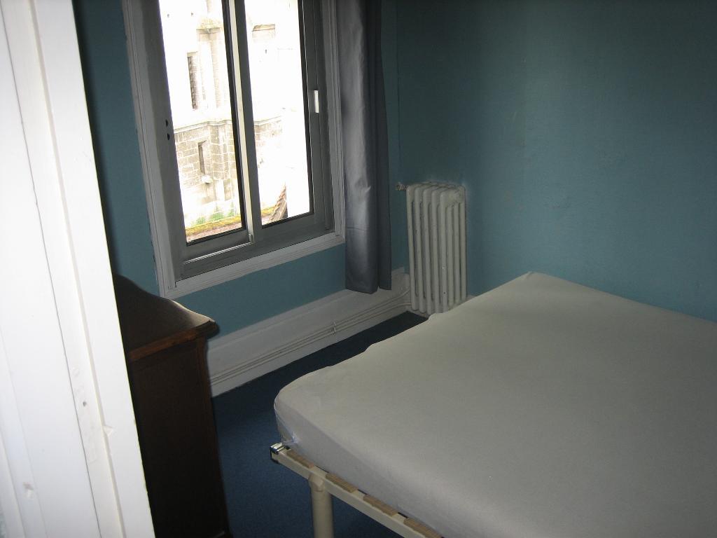 location de studio meubl de particulier particulier beauvais 430 26 m. Black Bedroom Furniture Sets. Home Design Ideas