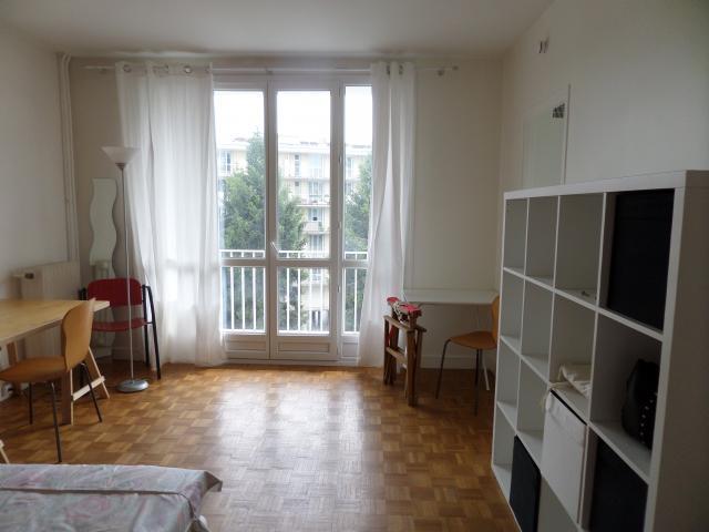 location appartement meudon de particulier particulier. Black Bedroom Furniture Sets. Home Design Ideas