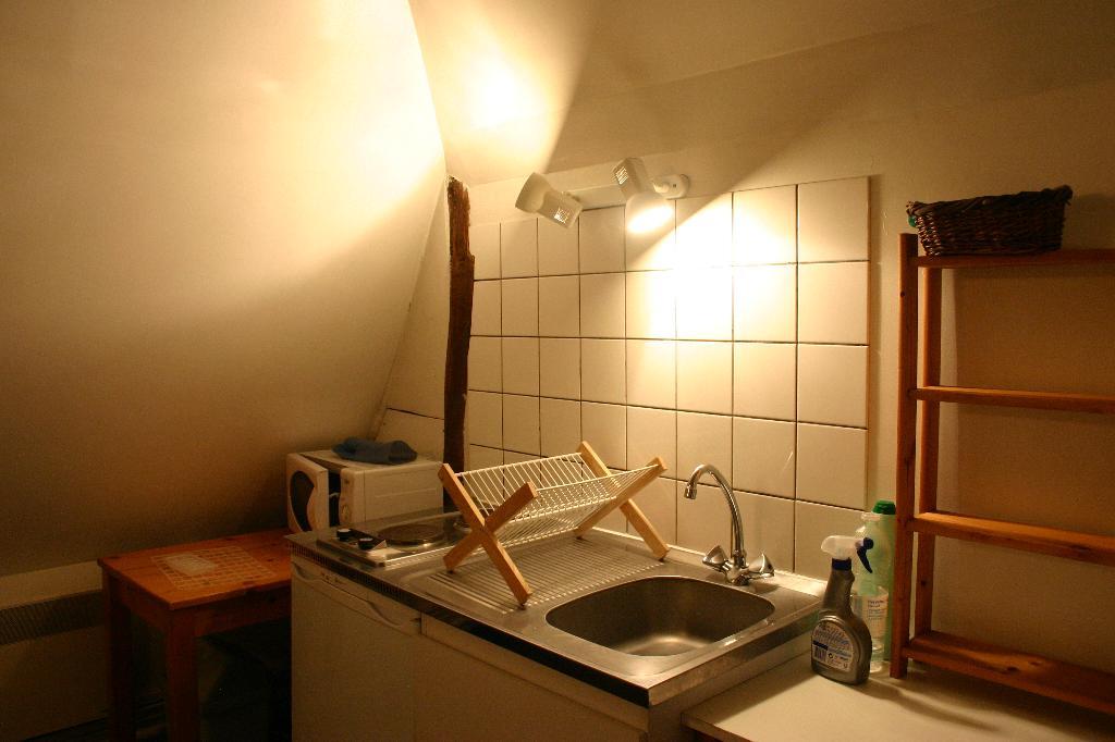 location de studio meubl entre particuliers villeneuve d 39 ascq 380 27 m. Black Bedroom Furniture Sets. Home Design Ideas