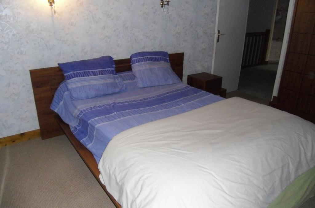 location de chambre meubl e entre particuliers st hilaire st mesmin 285 12 m. Black Bedroom Furniture Sets. Home Design Ideas