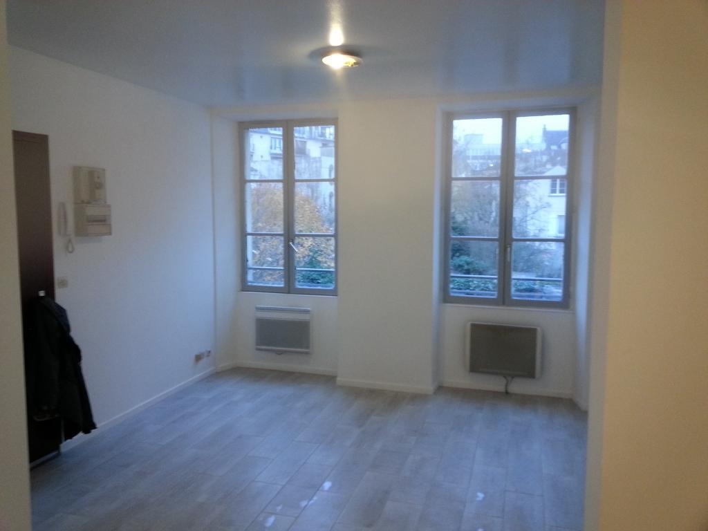 Location appartement entre particulier Vaux-le-Pénil, studio de 26m²