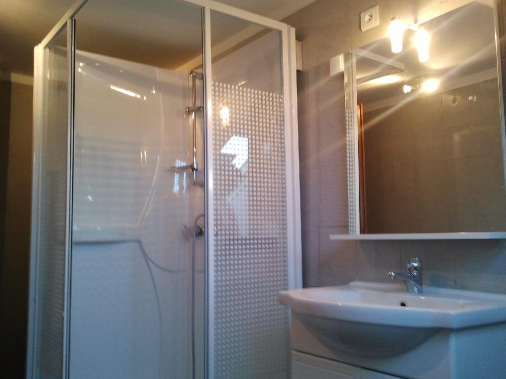 location de maison f4 de particulier particulier bourges 700 92 m. Black Bedroom Furniture Sets. Home Design Ideas