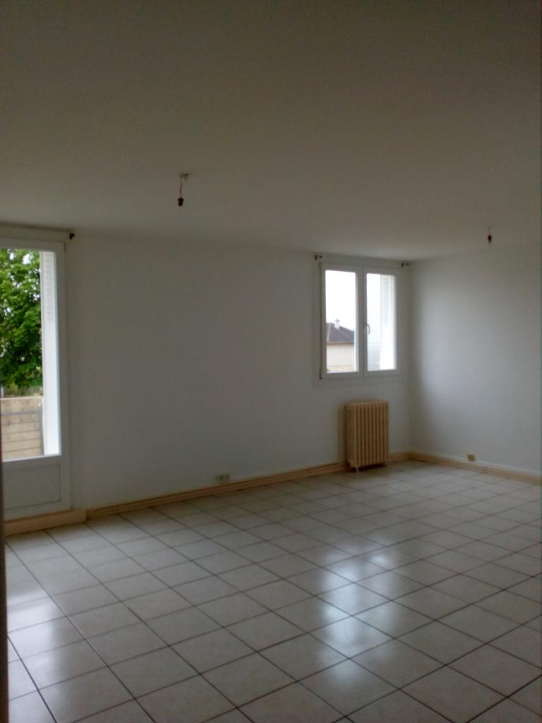 Appartement particulier, appartement, de 62m² à Saint-Amand-Montrond