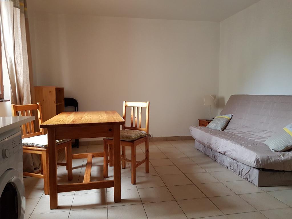 Location appartement entre particulier Maillot, de 22m² pour ce studio