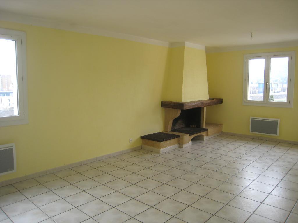 Particulier location, appartement, de 100m² à Alès