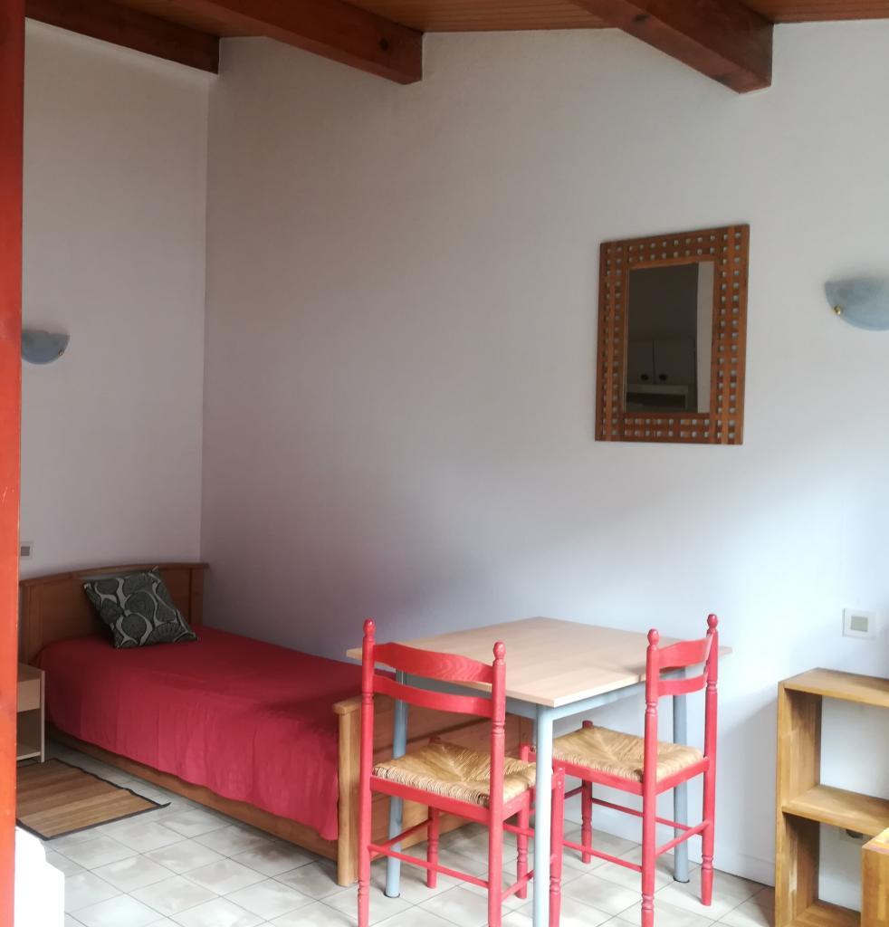 Location appartement entre particulier Dinozé, studio de 19m²