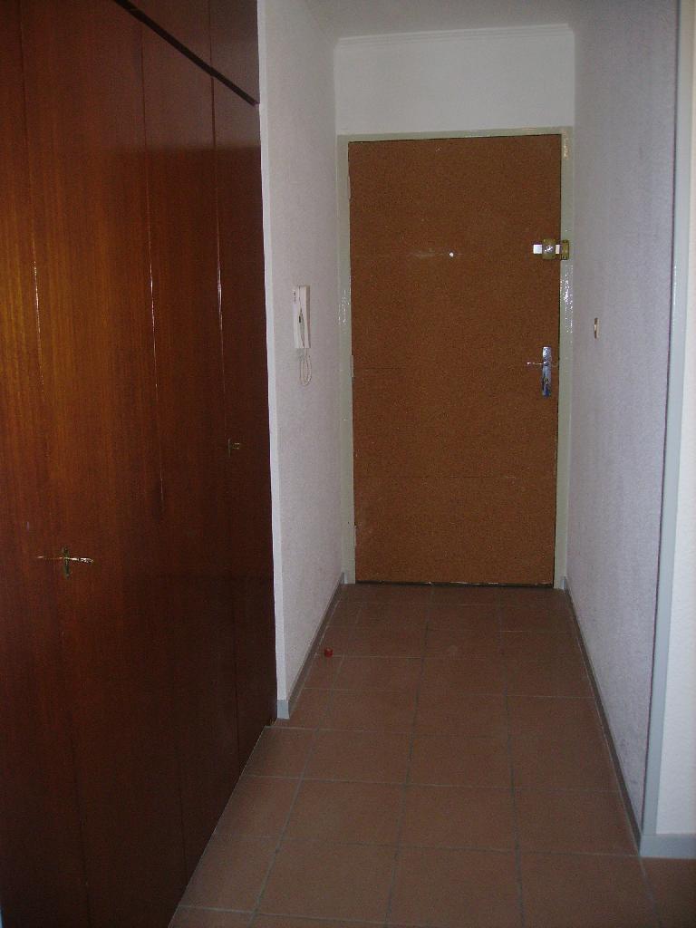 location de t1 de particulier metz 440 34 m. Black Bedroom Furniture Sets. Home Design Ideas