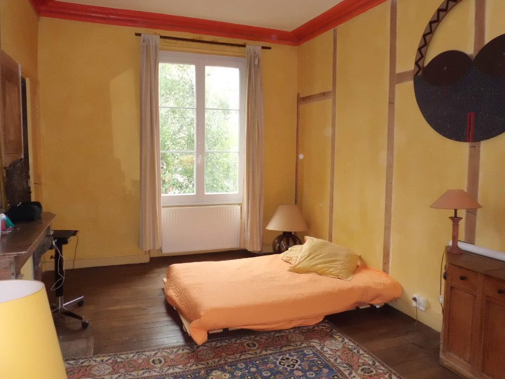location d 39 appartement meubl de particulier angers 850 90 m. Black Bedroom Furniture Sets. Home Design Ideas