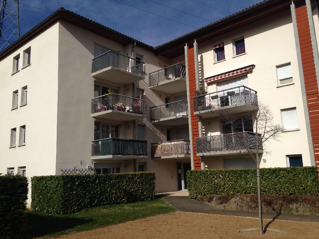 Location d 39 appartement t3 de particulier castanet for Location garage castanet tolosan