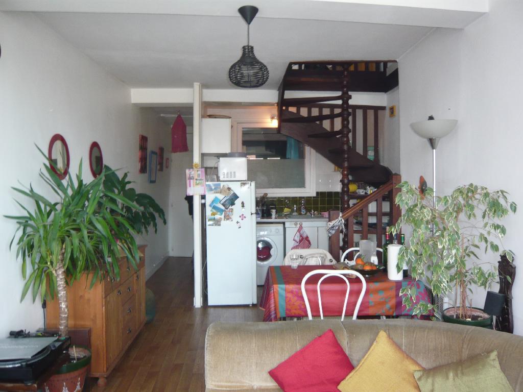 location de t3 meubl de particulier particulier bayonne 600 55 m. Black Bedroom Furniture Sets. Home Design Ideas