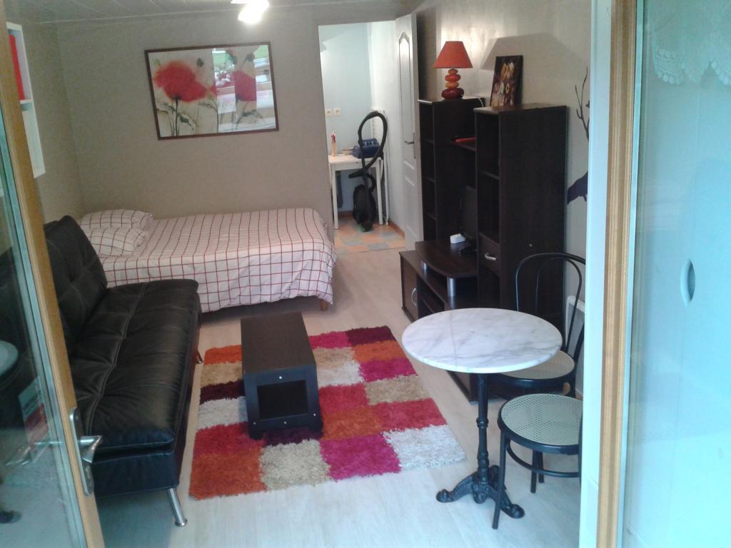 location appartement challes les eaux particulier. Black Bedroom Furniture Sets. Home Design Ideas