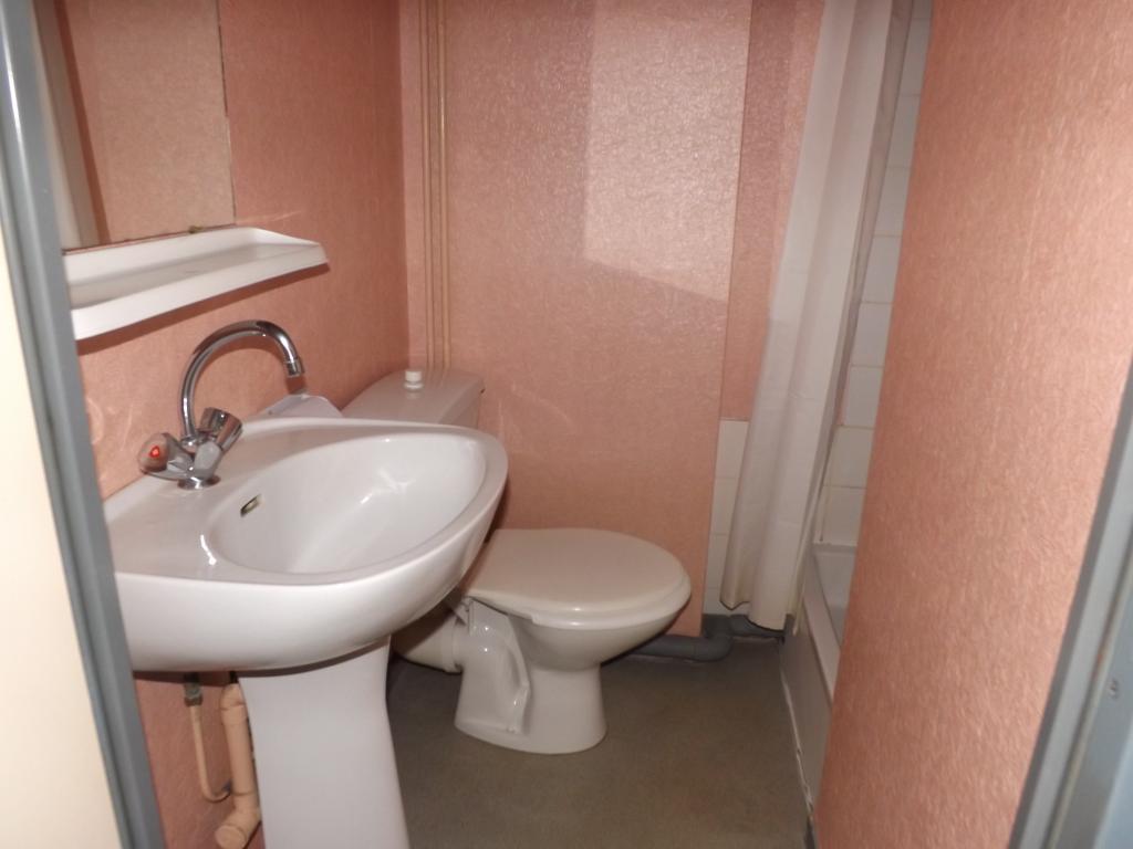 location de studio meubl sans frais d 39 agence poitiers 305 14 m. Black Bedroom Furniture Sets. Home Design Ideas
