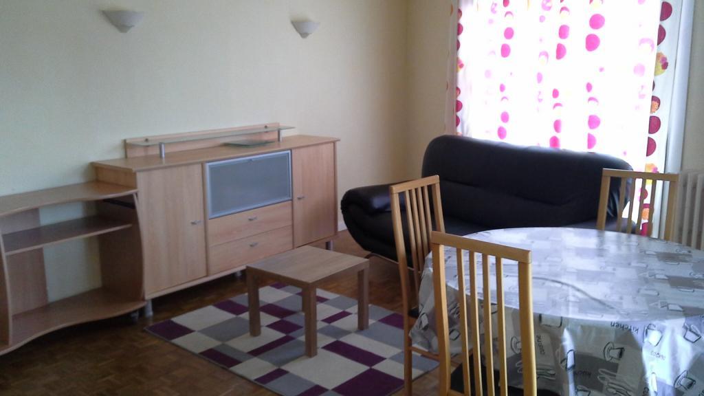Location d 39 appartement t3 meubl de particulier pau for Location bureau pau 64