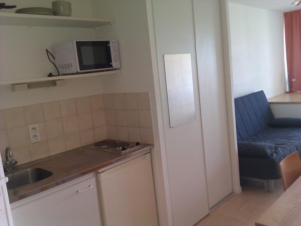 location de studio meubl de particulier particulier vannes 310 20 m. Black Bedroom Furniture Sets. Home Design Ideas