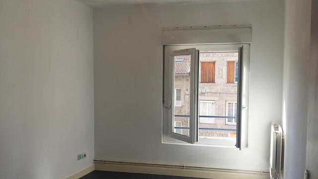 Location appartement T3 Le Chambon Feugerolles - Photo 3