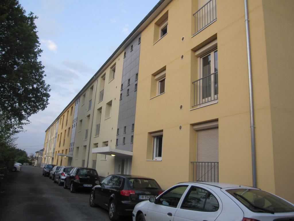location d 39 appartement t2 entre particuliers poitiers 485 52 m. Black Bedroom Furniture Sets. Home Design Ideas