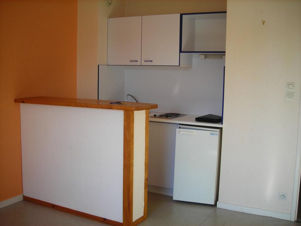 location de studio sans frais d 39 agence poitiers 325 24 m. Black Bedroom Furniture Sets. Home Design Ideas