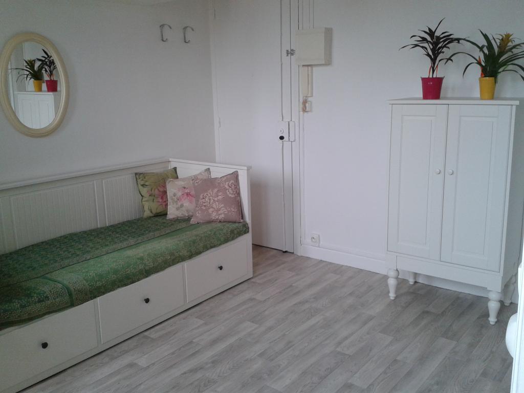 Location de studio meubl de particulier paris 75019 for Location meuble paris particulier