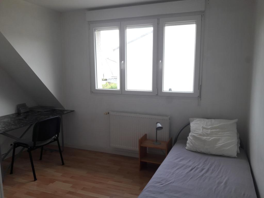 chambre de 12m2 louer sur villeneuve d 39 ascq location appartement. Black Bedroom Furniture Sets. Home Design Ideas