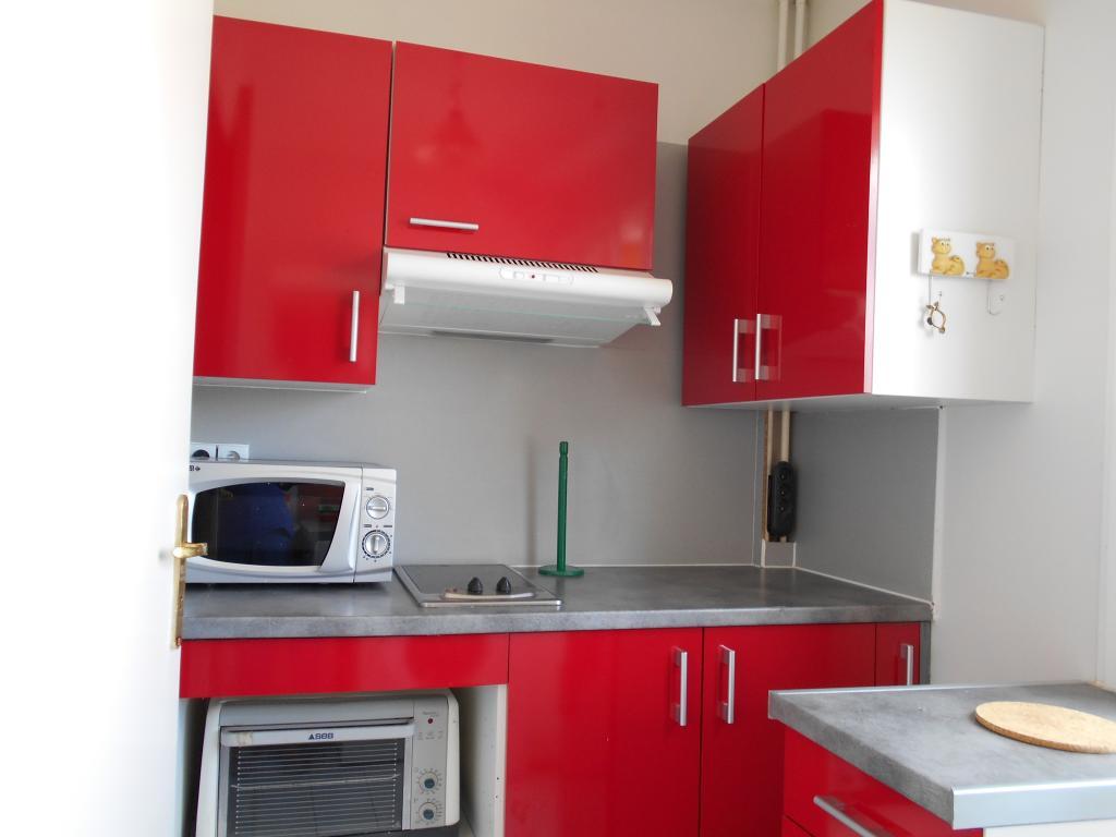 Location de studio meubl sans frais d 39 agence niort for Location de garage niort