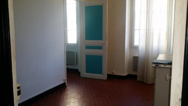 Location appartement T3 Marseille 05 - Photo 3