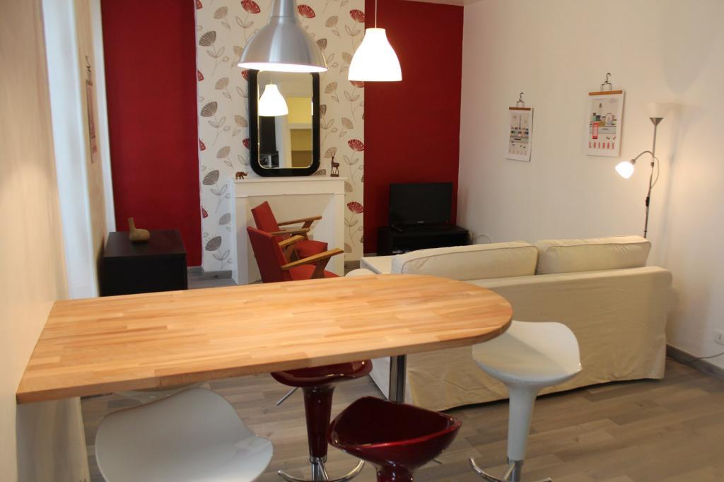 location d 39 appartement meubl sans frais d 39 agence marseille 13003 630 40 m. Black Bedroom Furniture Sets. Home Design Ideas