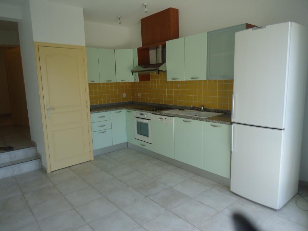 Particulier location Santa-Maria-di-Lota, appartement, de 45m²