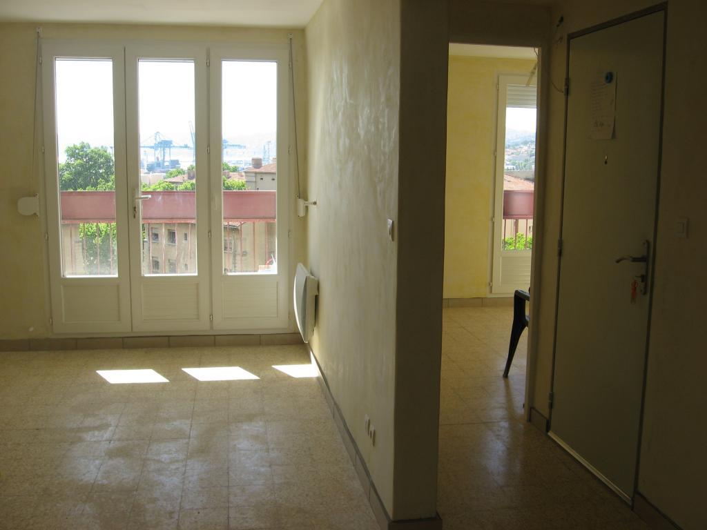 location d 39 appartement t4 entre particuliers marseille 13015 870 70 m. Black Bedroom Furniture Sets. Home Design Ideas