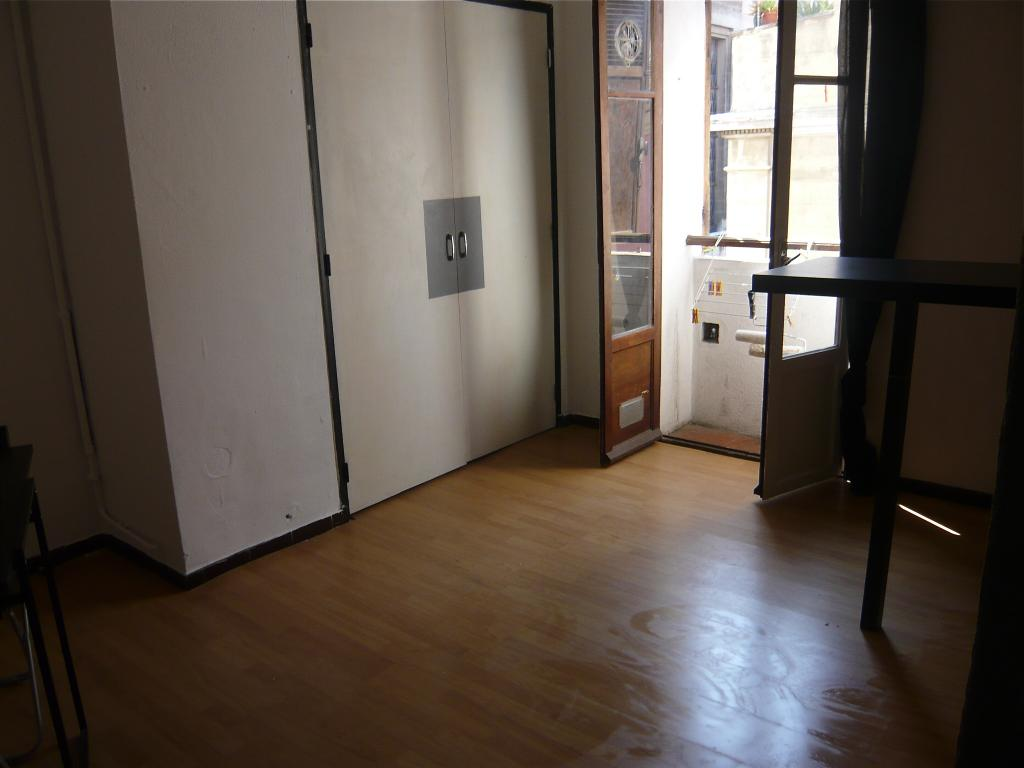 Location appartement T1 Marseille 06 - Photo 1