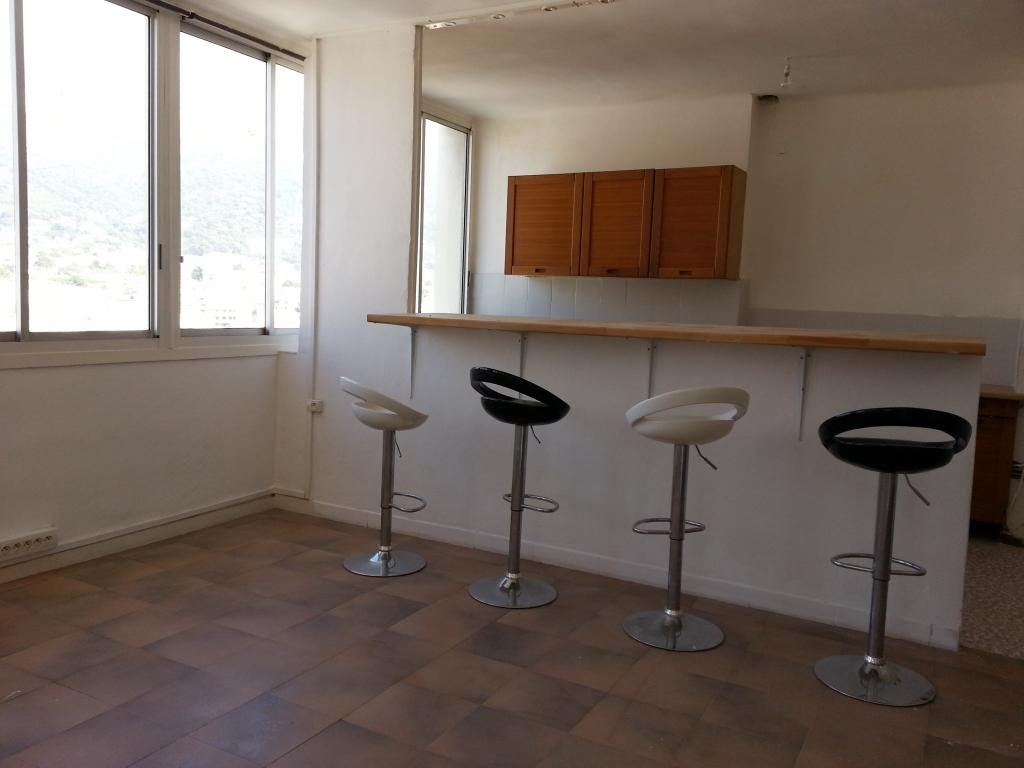 location d 39 appartement t4 de particulier particulier toulon 790 78 m. Black Bedroom Furniture Sets. Home Design Ideas