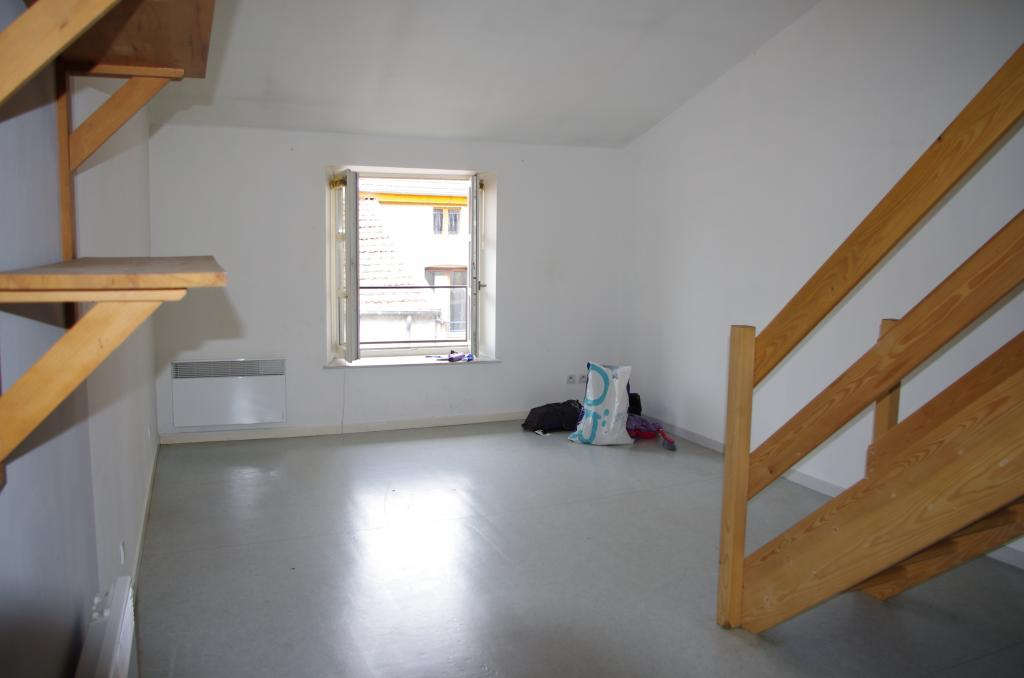 Location d 39 appartement t2 entre particuliers nancy 400 for Location appartement atypique nancy