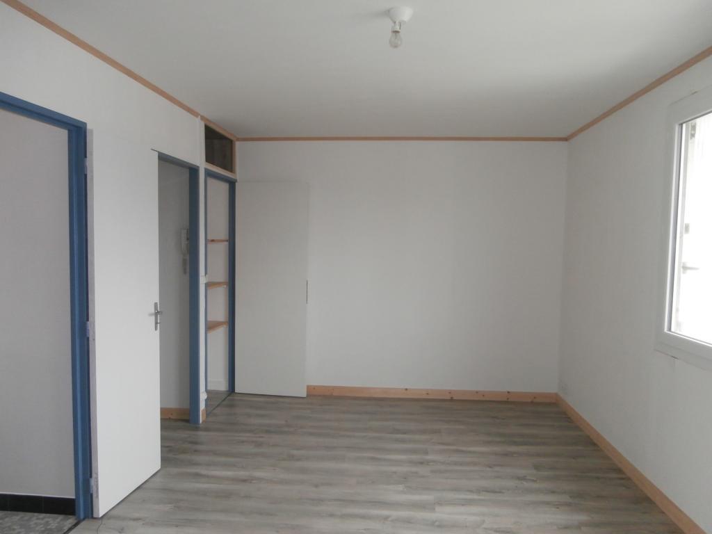 Location particulier à particulier, appartement, de 28m² à Rochefort