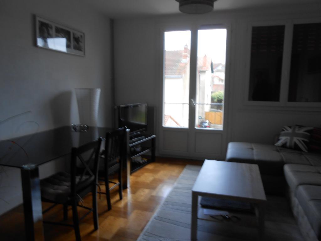 location d 39 appartement t3 de particulier limoges 610 54 m. Black Bedroom Furniture Sets. Home Design Ideas