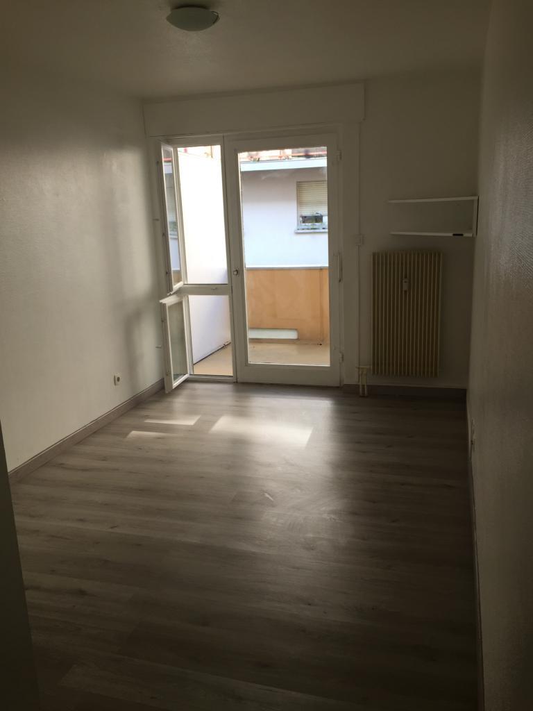 location de studio meubl entre particuliers illkirch graffenstaden 450 21 m. Black Bedroom Furniture Sets. Home Design Ideas