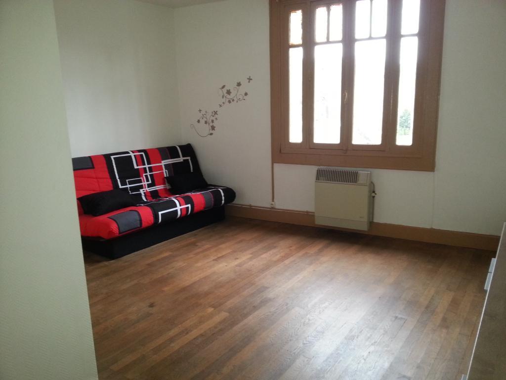 De particulier à particulier, appartement, de 35m² à Saint-Amand-Montrond