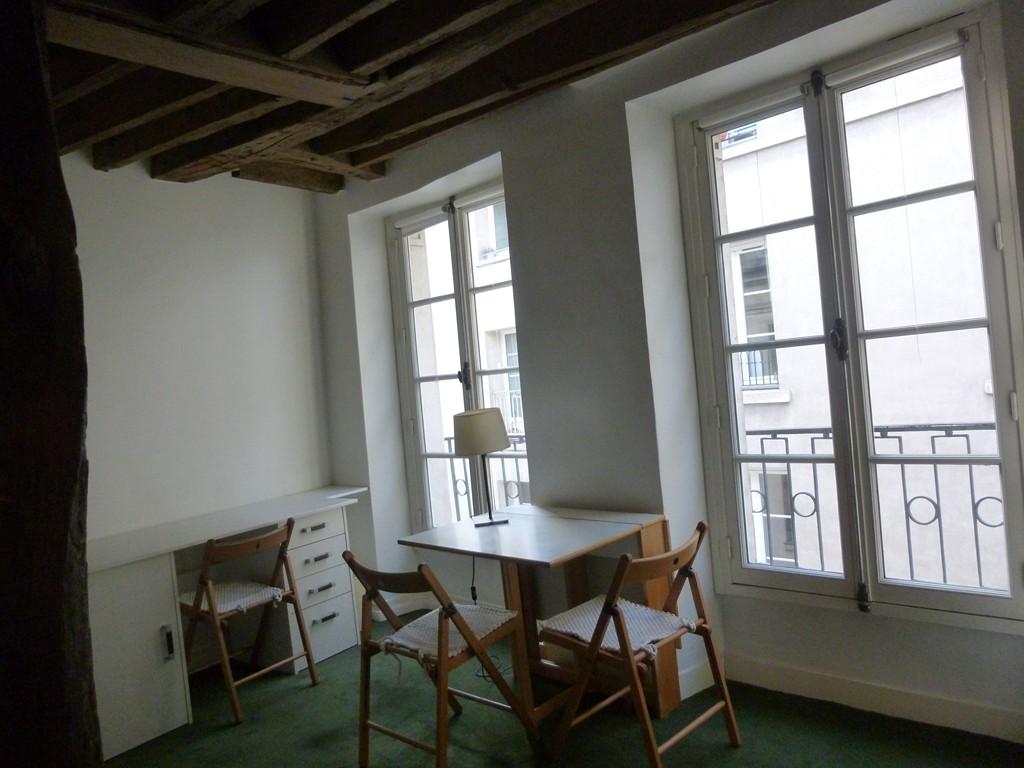Entre particulier , studio, de 24m² à Paris 05