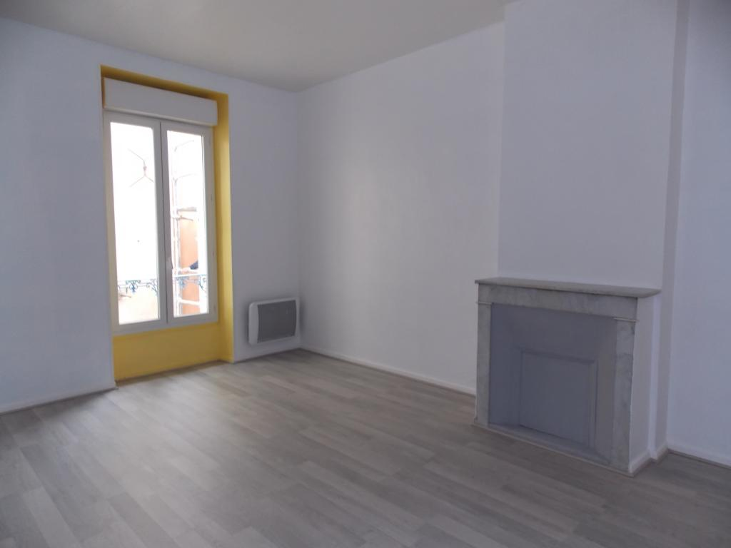location d 39 appartement t3 de particulier hyeres 744 70 m. Black Bedroom Furniture Sets. Home Design Ideas