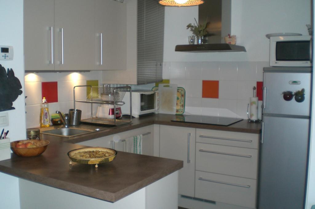 particulier location appartement de 37m saint tienne. Black Bedroom Furniture Sets. Home Design Ideas