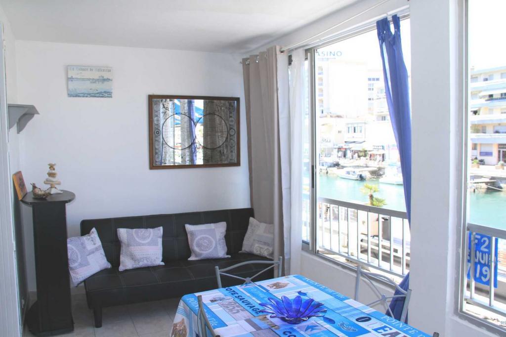 location appartement palavas les flots entre particuliers. Black Bedroom Furniture Sets. Home Design Ideas