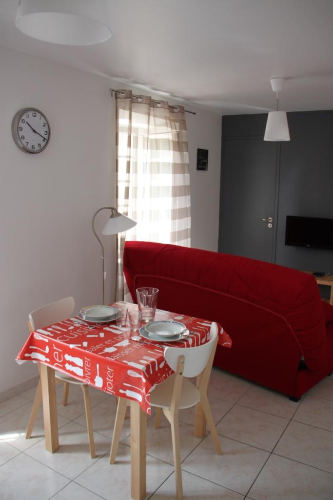 location studio corbeil essonnes de particulier particulier. Black Bedroom Furniture Sets. Home Design Ideas